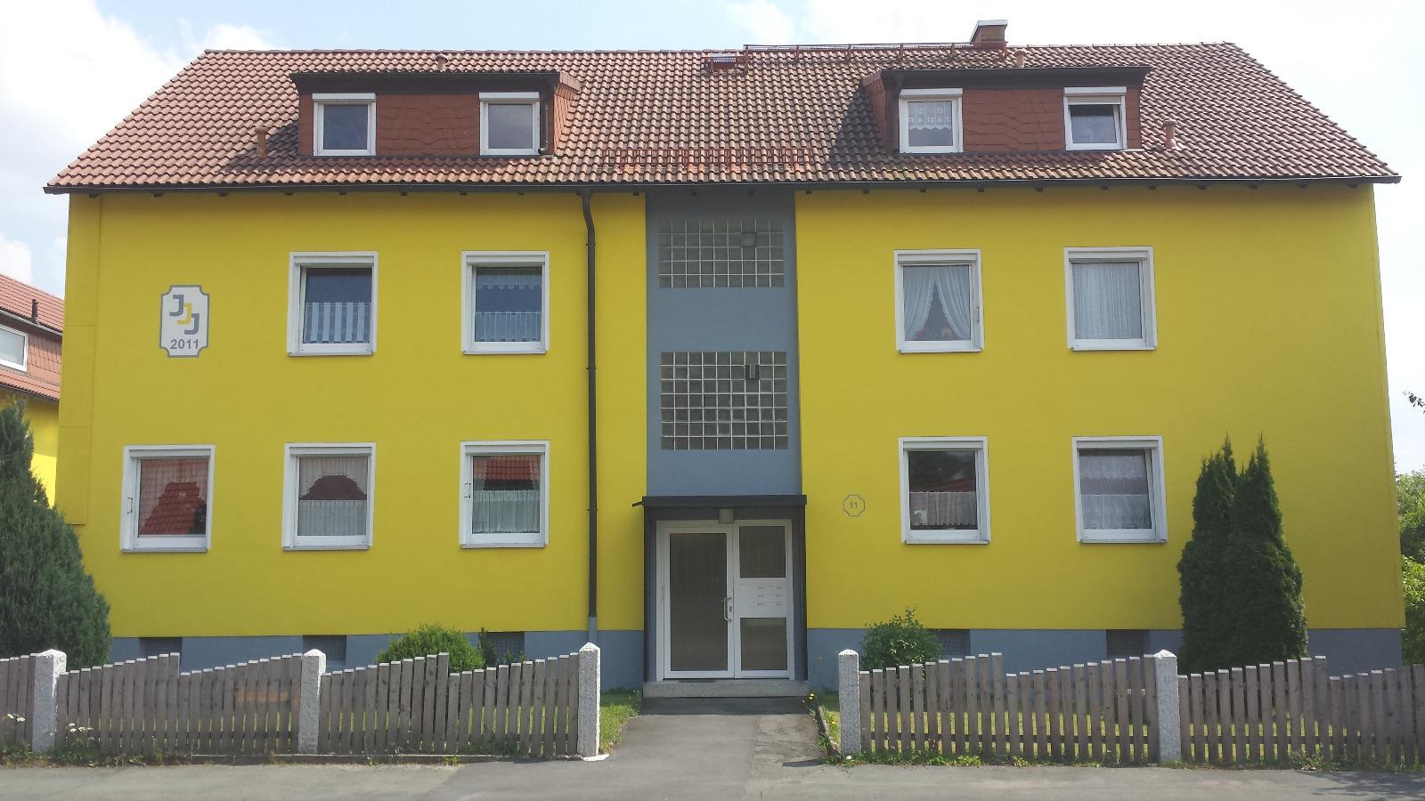 Mehrfamilienhaus Hof Kösseinstraße 11